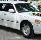 wedding limousine lincoln
