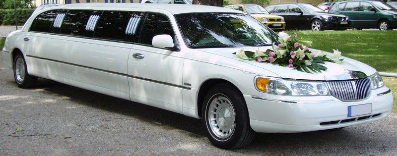 wedding limousine lincoln