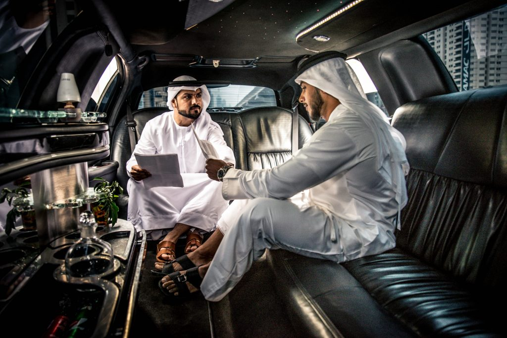 Limo in UAE - Luxury Airport transfer