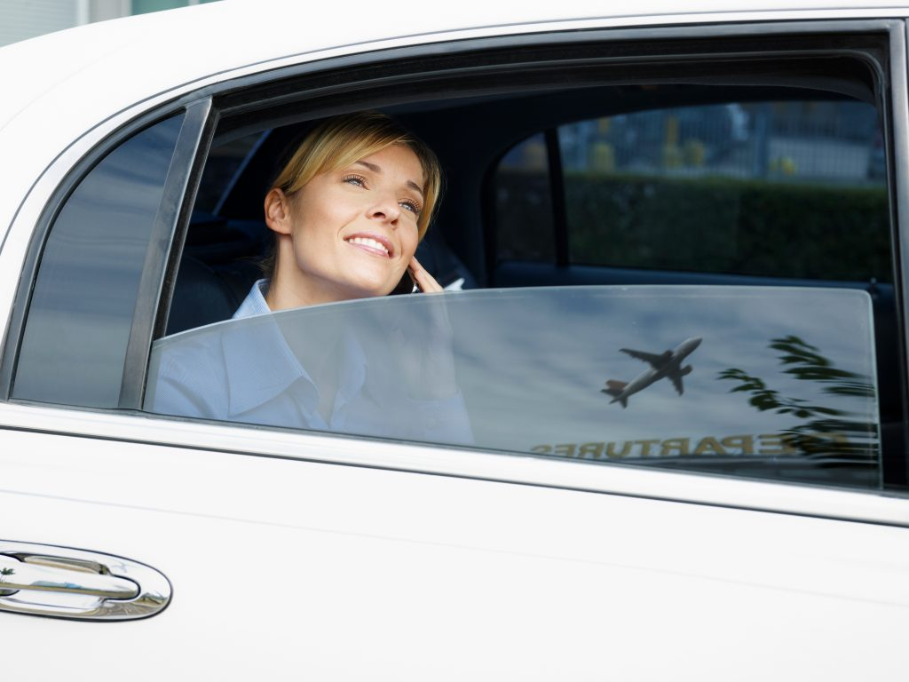 Limo in UAE - Airport transfer